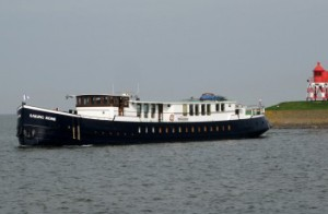 sailinghome2